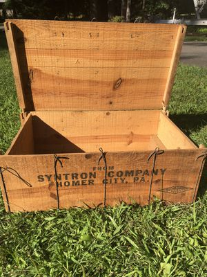 Antique shipping crate for Sale in Avon, CT