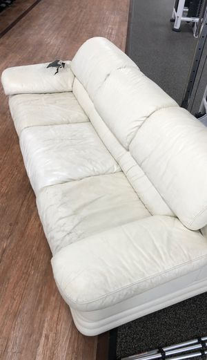 White leather couch, for Sale in Ridgewood, NJ