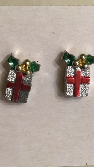 Christmas present earrings for Sale in Belleville, IL