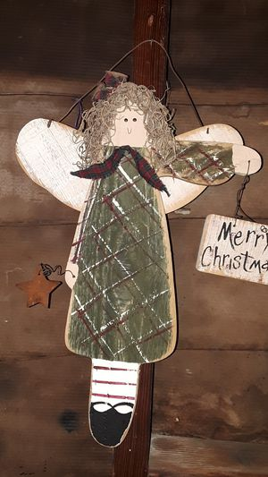 """HANDMADE WOODEN """"MERRY CHRISTMAS"""" ANGEL for Sale in Brea, CA"""