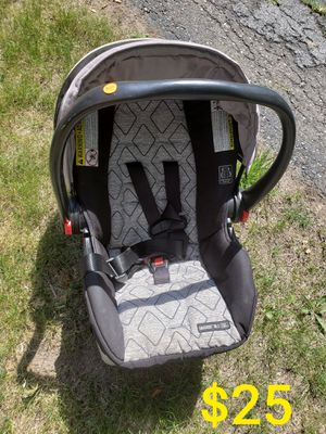 Infant car seat for Sale in Wayne, MI