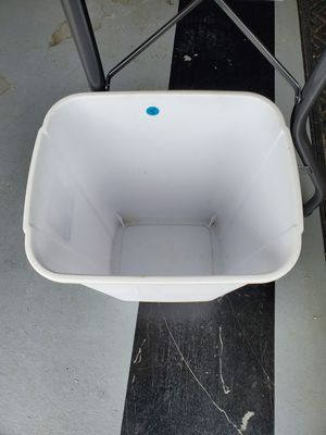kitchen trash can for Sale in Chesterfield, VA