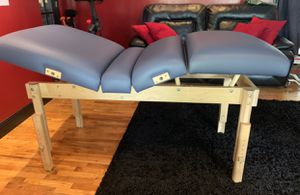 Earthlite massage, facial bed for Sale in West Covina, CA