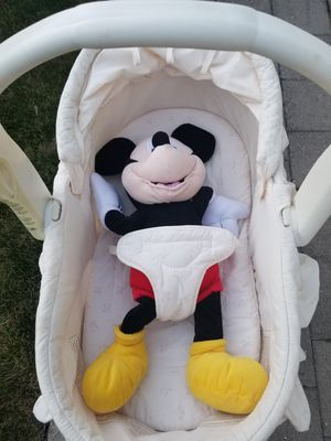 Baby bassinet for Sale in Oak Lawn, IL