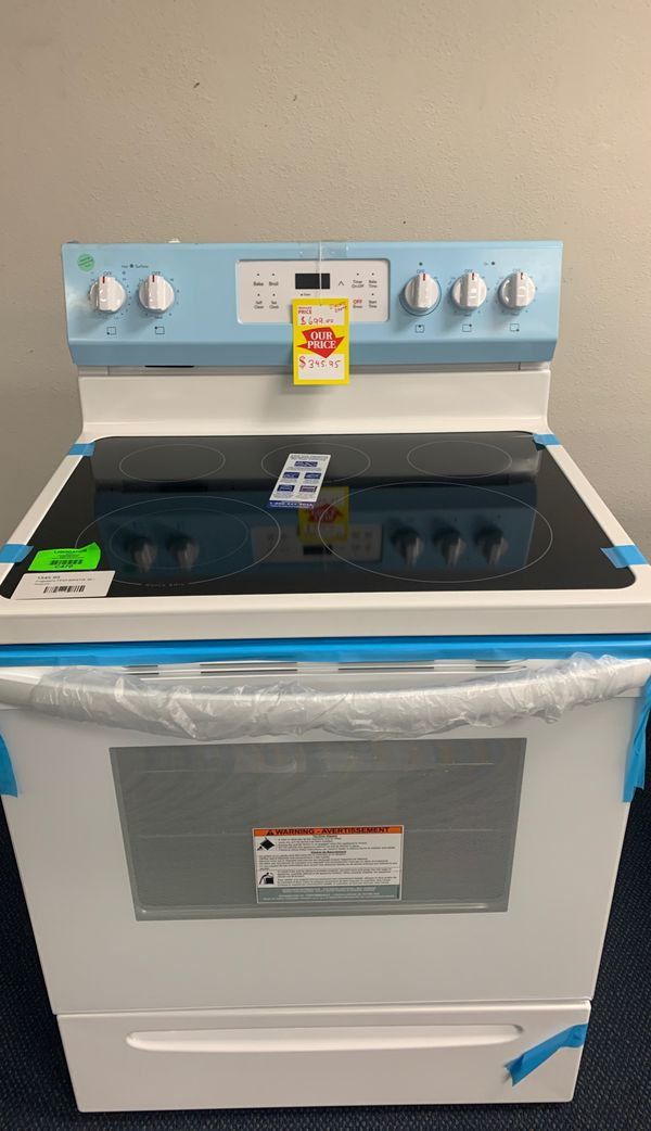 Frigidaire Electric Stove! New with warranty! 87P