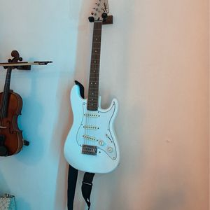 White Electric Guitar With Amphi Sound for Sale in Brooklyn, NY