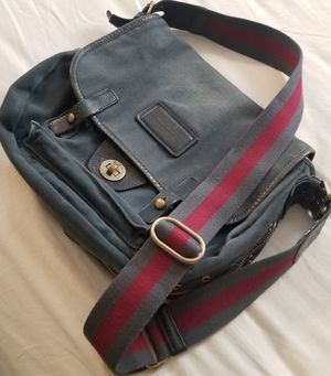 Marc Jacobs Canvas Messenger Bag for Sale in Kent, WA