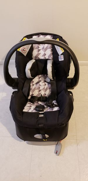 Evenflo Embrace Infant Car Seat Raleigh for Sale in Chicago, IL