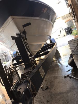 $150 boat trailer 18ft with tittle BOAT INCLUDED ALSO WITH TITTLE for Sale in Los Angeles, CA