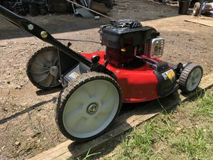 Lawn mower Briggs&Strattion for Sale in Silver Spring, MD