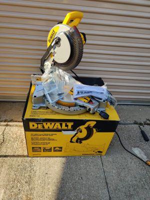 "Dewalt 10"" Miter Saw Like New Como Nueva for Sale in Irving, TX"