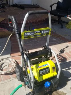 Ryobi 2000 psi pressure washer with soap box n gun with extenstion for Sale in Westminster,  CA