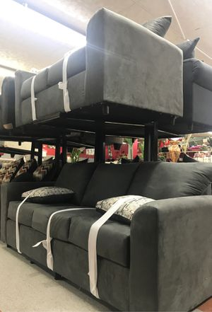 Sofa and loveseat for Sale in High Point, NC