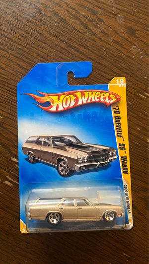 HOT WHEELS 2009 NEW MODELS GOLD '70 CHEVELLE SS WAGON 19/42 5 SPOKE for Sale in Glendale, AZ
