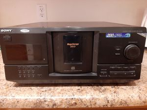 Sony 200 Disc Player Works Great CDP-CX235 for Sale in Queen Creek, AZ