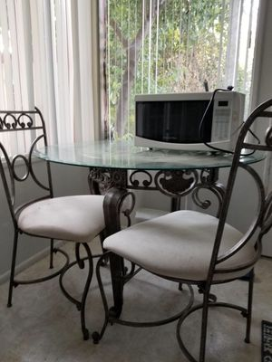Dining room table with two chairs and matching baker's rack for Sale in Modesto, CA