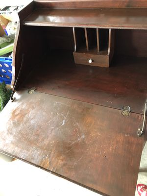 """Secretary desk with pull out drawer 27""""w x 40""""h x 16.6""""d for Sale in Longwood, FL"""