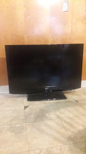 LG TV 37 in for Sale in North Providence, RI