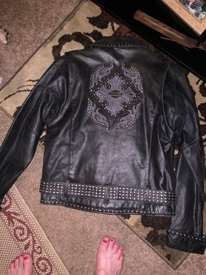 And official Harley Davidson jacket I wore a woman size medium for Sale in Akron, OH