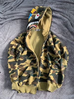 offwhite yeezy supreme ( Authentic Bape Hoodie Yellow Camo ) for Sale in Key Biscayne, FL