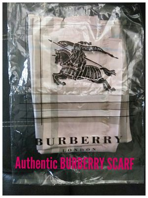 AUTHENTIC Burberry Scarf for Sale in Valley, WA