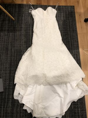 Wedding dress size 6 no alterations clean 200 for Sale in St. Peters, MO