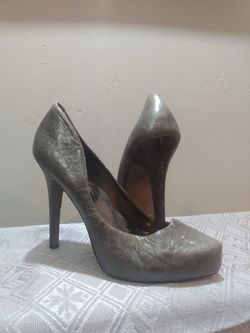 Women's Jessica Simpson High Heels Size 10 for Sale in Peoria Heights,  IL