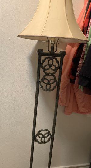 Floor lamp for Sale in Murrieta, CA