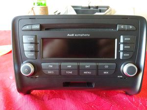 20 Audi TT OEM 6 Disc CD Symphony Radio 8J0035195J - FREE STEREO REMOVAL TOOLS for Sale in DeKalb, IL