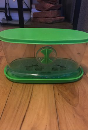 Vegetable storage container for fridge for Sale in Rancho Cucamonga, CA