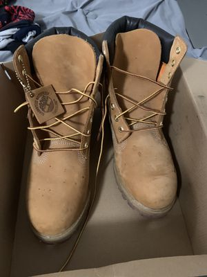 Timberlands size 10 with box 60$ for Sale in Seattle, WA