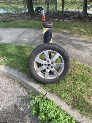 17 stock maxima rim with tire for Sale in Queens, NY