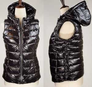 BRAND NEW PHILOSOPHY BLACK SHINNY QUILTED PUFFER HOODED VEST SIZE L for Sale in Tallahassee, FL