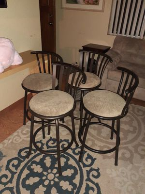 """4 Bar Stools in very good condition.34""""H×16""""D for Sale in Kent, WA"""