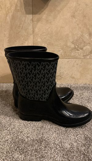 MN rain boots size 6 for Sale in Las Vegas, NV