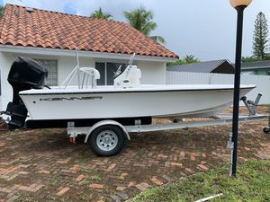 2002 Kenner 1800 Vision same as Mako 1801 Boat 115 Mercury for Sale in Miami, FL