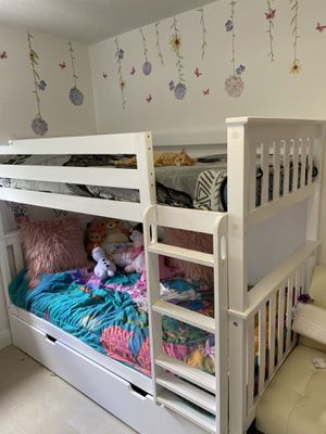 Bunk bed with extra space white trundle bed for 3 kids for Sale in Miami, FL