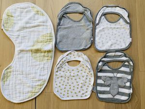 Burt's Bees Baby Organic Cotton Bibs + Burp Cloth for Sale in Bellevue, WA