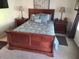 FREE - Bedroom Set - FREE for Sale in Temecula, CA