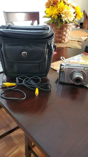 Fuji film camara with all cords and bag for Sale in Milton, FL