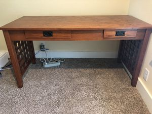 Desk and 2 drawer file cabinet for Sale in Beaverton, OR