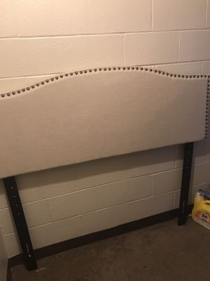 Headboard for Sale in Youngstown, OH