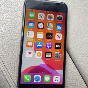 iPhone 6 32GB Factory Unlcocked excellent Condition for Sale in Los Angeles, CA