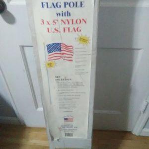 20ft. U.S. Flag Pole & Nylon U S. Flag for Sale in Peoria, IL