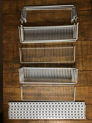 Rubbermaid pantry closet wall mount organizer set for Sale in Dublin, CA