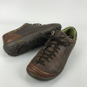 Patagonia Selenite Velvet Brown 9 Leather Shoes for Sale in Hallandale Beach, FL