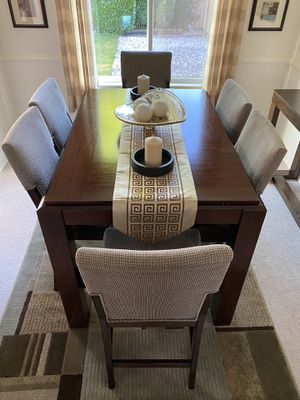 Newer dining room set - table and 6 chairs - make your offer!!! for Sale in Federal Way, WA