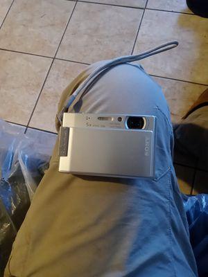 Sony camera digital 8.1 mega plxels for Sale in Los Angeles, CA