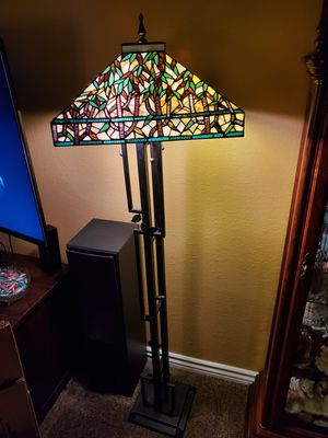 Tiffany style floor lamp for Sale in San Pedro, CA
