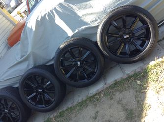 "Cadillac Escalade rims 22"" for Sale in Whittier,  CA"